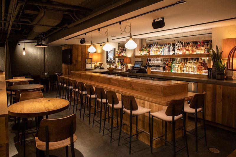 modern-bar-interior-chicago-beatrix-depaul-renovation